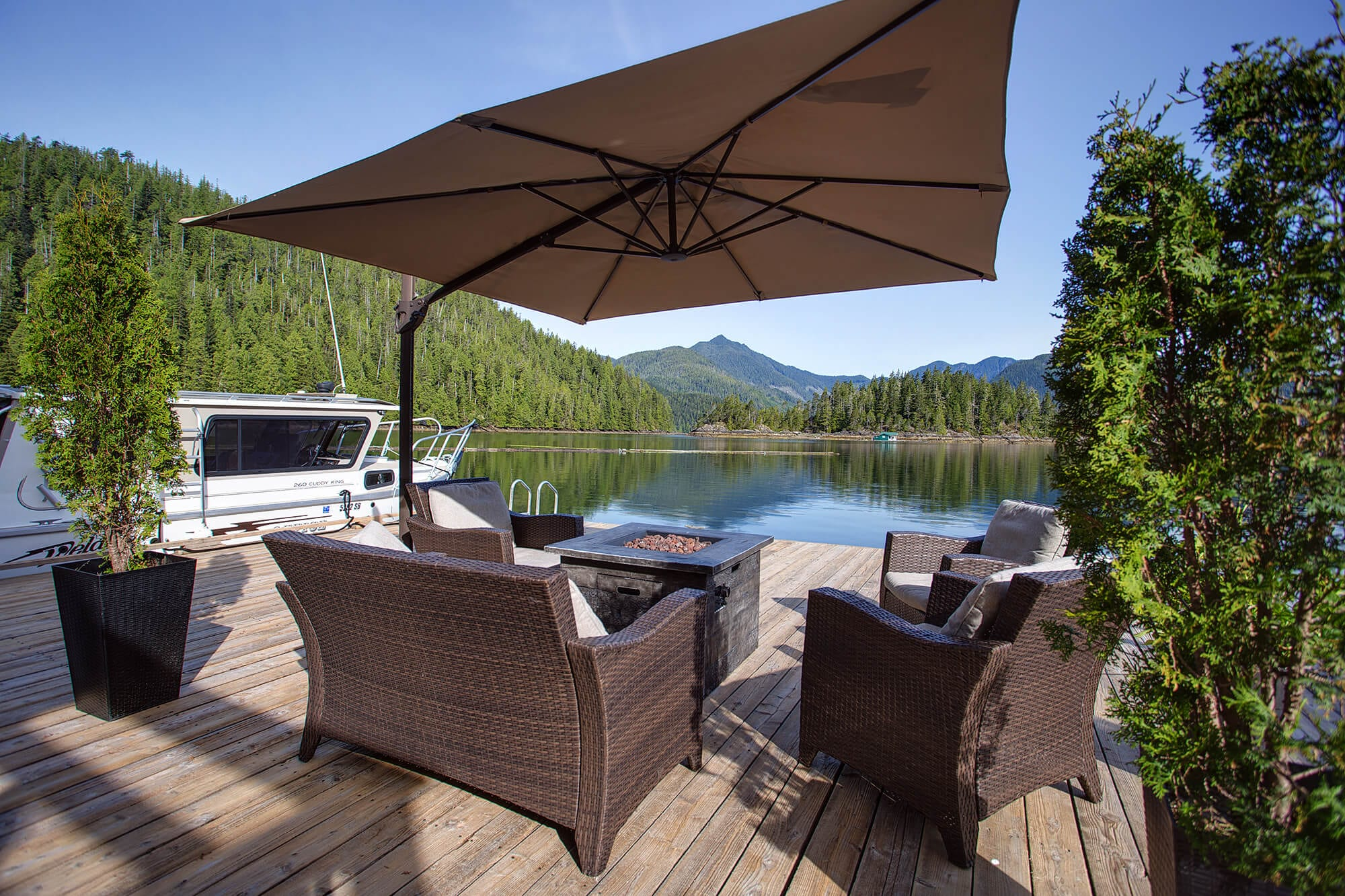 Patio furniture on Nootka Wilderness Lodge dock.